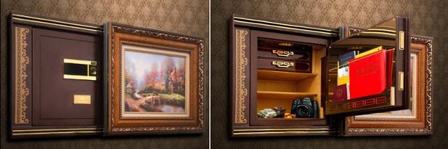 Встраиваемый сейф, спрятанный в стене за картиной.