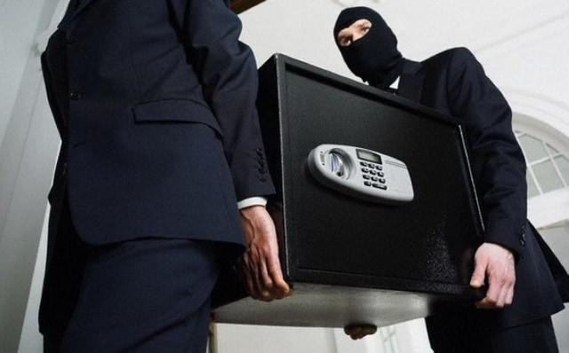 Кража незакрепленного сейфа.